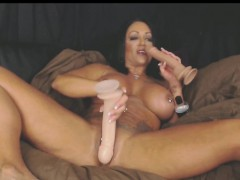 double-dildo-anal-and-vaginal-fun-with-muscle-milf