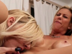 big titted sapphic les pussylicking and rubbing