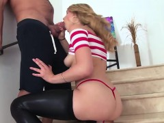 Flexible Babe Shows Some Mad Skills While Getting Pounded