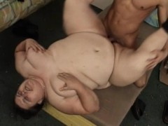 Chubby Mature Lady Spreads Her Legs For A Hard Pole And A Good Fucking