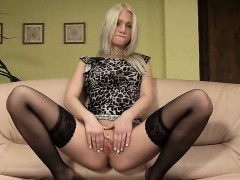 hot-czech-girl-stretches-her-tight-crack-to-the-strange