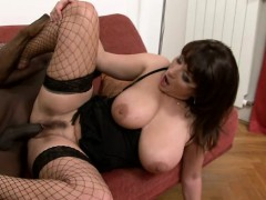 bodacious-cougar-in-sexy-lingerie-has-a-black-bull-hammering-her-peach