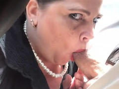 Chubby Mature Woman Puts Her Amazing Cocksucking Skills Int