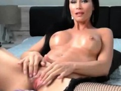 mature-milf-masturbation-with-machine-dildo