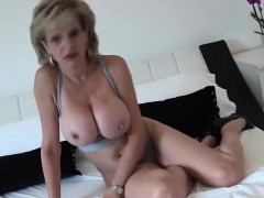 Unfaithful uk milf lady sonia pops out her giant knockers