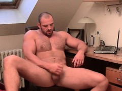 muscular-dude-tom-enjoys-stroking-his-meaty-tool
