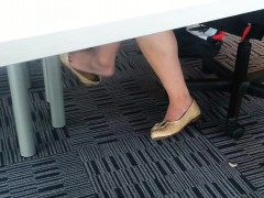 Candid Asian Shoeplay Dangling Fee Velva