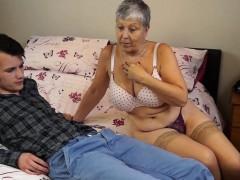 granny-savana-fucked-with-really-hard-stick