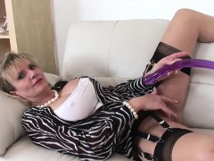 Unfaithful British Milf Lady Sonia Pops Out Her Gigantic Tit Chicas Desnudas Brasileñas