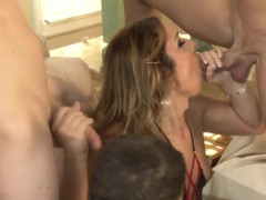 tranny-bukkaked-by-group