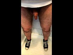dribbling-piss-through-my-foreskin