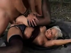 young-guy-finds-mature-woman-outdo-louise