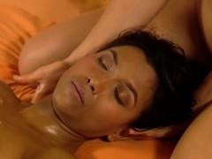 massage-for-close-girlfriends