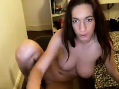 busty-girl-shows-her-body-to-the-webcam