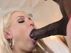 kenzie-taylor-tries-anal-with-mandingo-s-black-cock