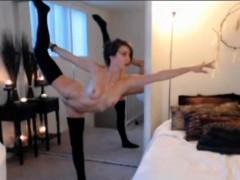 Stunning Flexible Babe Malenamorgan On Cam Alivegirl