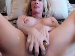 squirter-blond-milf-justy-fucks-old-meaty-cunt