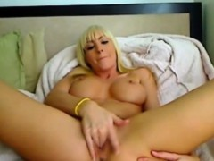 live-sexchat-with-blonde-girl
