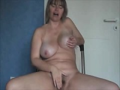 lusty-mature-masturbation-zaida-from-1fuckdatecom