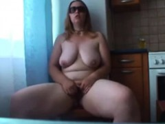 kitchen-solo-chubby-russian-mom-katja