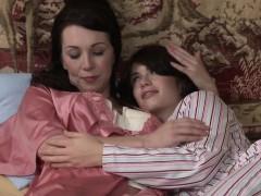 lesbian-teen-licks-muff