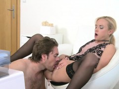 dude-licks-and-bangs-female-agent-in-her-office