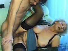 old-amateur-mature-mum-sucks-and-f-hiedi