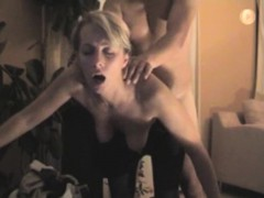 hot-blonde-obtaining-a-position-fuck-that-is-moaning