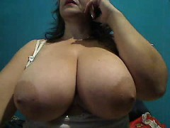 verry-hot-and-curvy-big-ass-milf