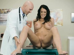 hot-patient-reagan-foxx-gets-explored-by-doctor