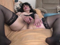 arab-mature-mommy-from-uk-with-hun-zonia-from-dates25com