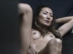 asian-babe-solo-rubbing