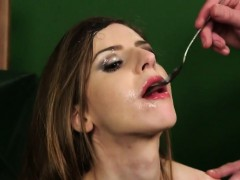 Flirty Model Gets Jizz Shot On Her Face Eating All The Juice