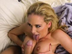 blonde mature hoe cherie deville gets pleasured by plumber