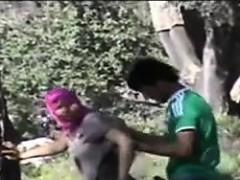 Arab Couple Caught In Garden Ilona From Dates25com
