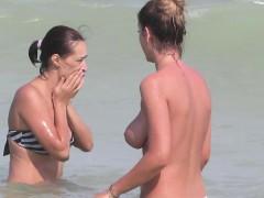 Topless - Bikini Beach Horny Teens - Voyeur Beach Video