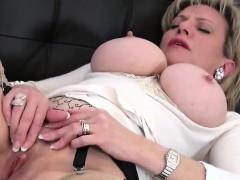 unfaithful-uk-mature-gill-ellis-shows-off-her-large-balloons