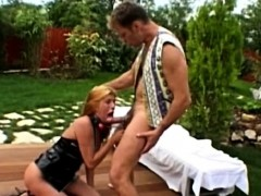 sindy-and-tifany-takes-their-rough-sex-outside