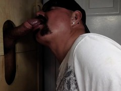 chocolate-dad-cums-at-gloryhole
