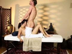 Asian babe pounded on the massage table