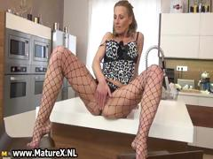 sexy-mature-woman-in-horny-lingerie-part4