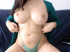 wet-tattooed-raven-babe-sahron-with-big-boobs-masturbates
