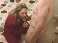 mature-blonde-gives-a-double-blowjob
