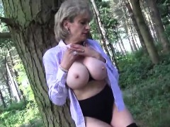 Unfaithful British Milf Lady Sonia Showcases Her Massive Bre