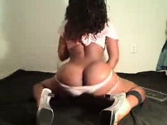 black-amateurs-kissing-and-taking-selfies-in-hd