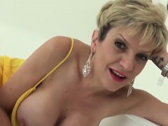 unfaithful-english-mature-lady-sonia-shows-her-huge-boobs