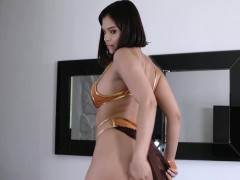 violet-starr-in-i-dream-of-curvy-babes