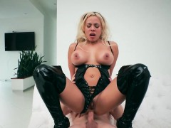 brazzers-big-butts-like-it-big-shes-not