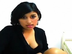 amateur-muslim-islam-indian-masturbates-pussy-to-orgasm