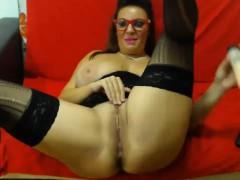 masturbation-on-the-chamber-masturbating-mature